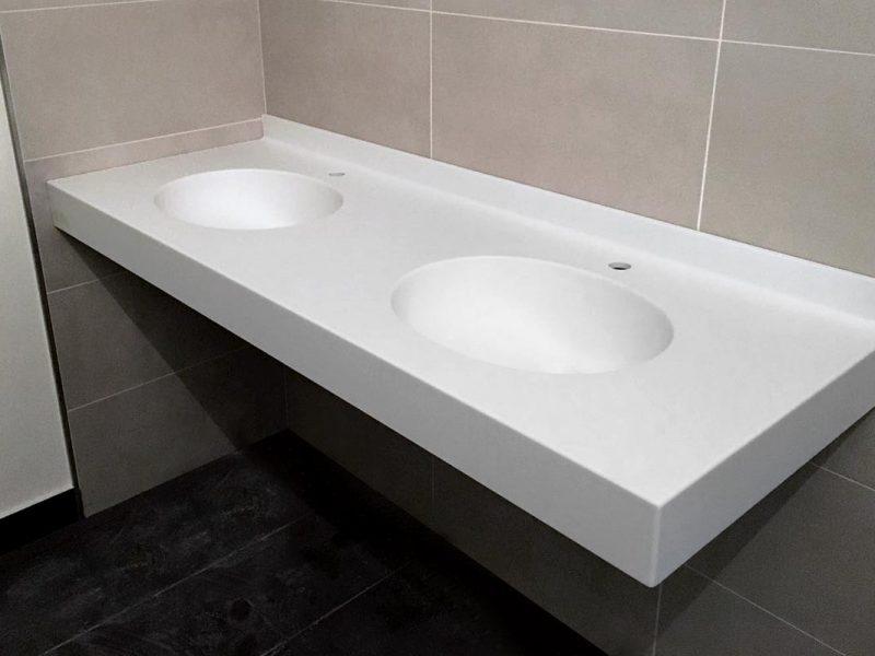 ripiano lavabi corian